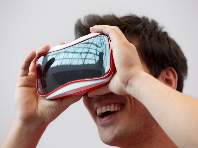 mattel-view-master-VR-case