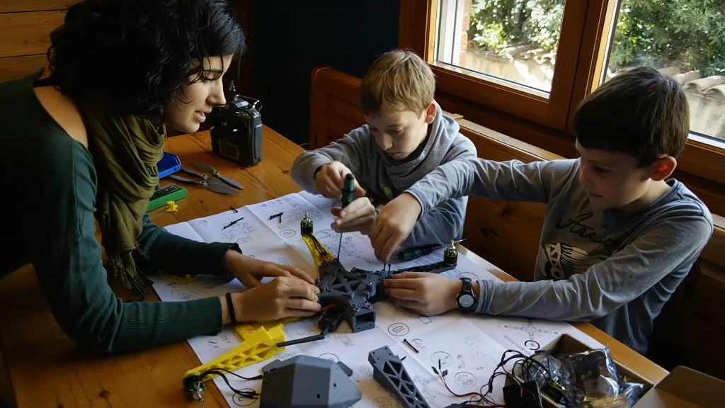 Bonadrone ofrece un kit educativo para montar tu propio dron